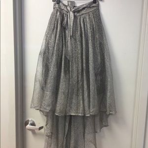 Gracia Silver Hi Low Mesh Tulle Skirt - Size Small